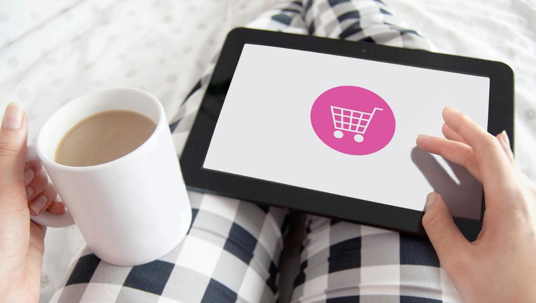 Jak sprzedawać odzież online?